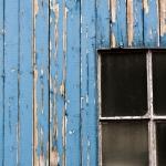 i1-bk_01_fenster-holz-blau