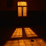 18b-BK_02_Window